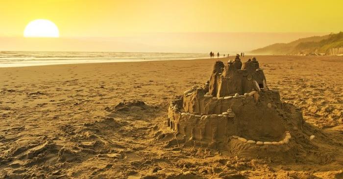 Thuyết lâu đài trên cát